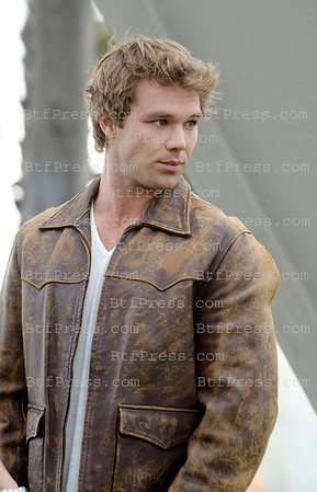 Lincoln Lewis Filming In Venice