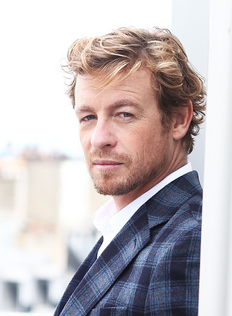 SIMON BAKER A PARIS