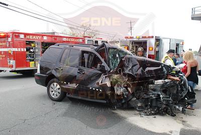 Lindenhurst F.D. MVA Hoffman Ave. and 13th St. 5/1/09