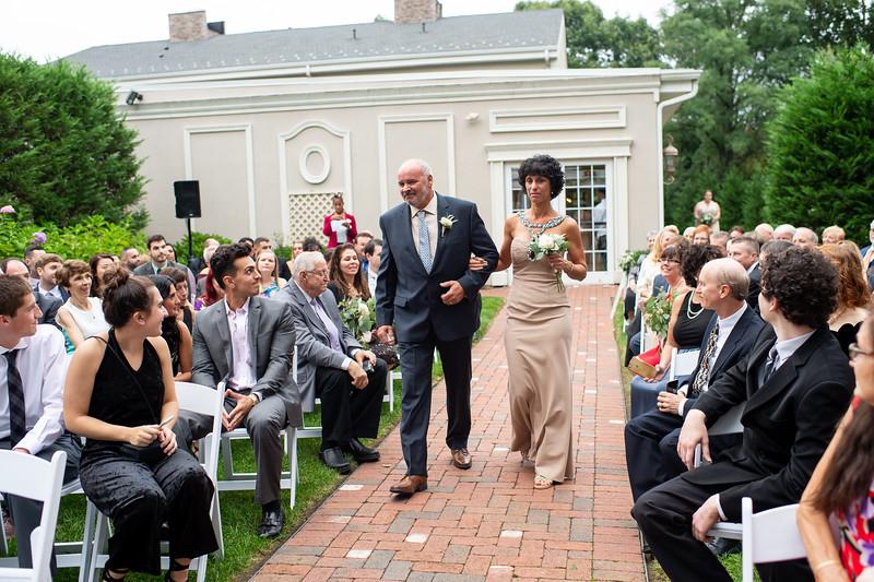 Lindsay and Mike Wedding0477