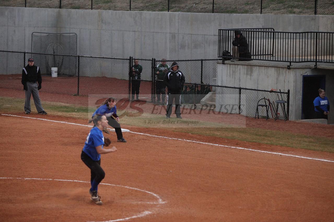 2011 LW softball_0044