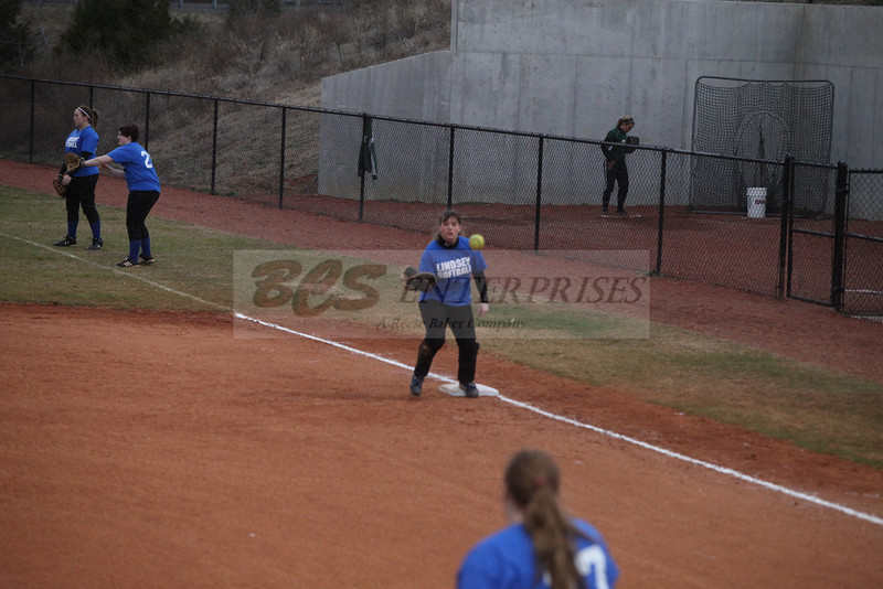 2011 LW softball_0029