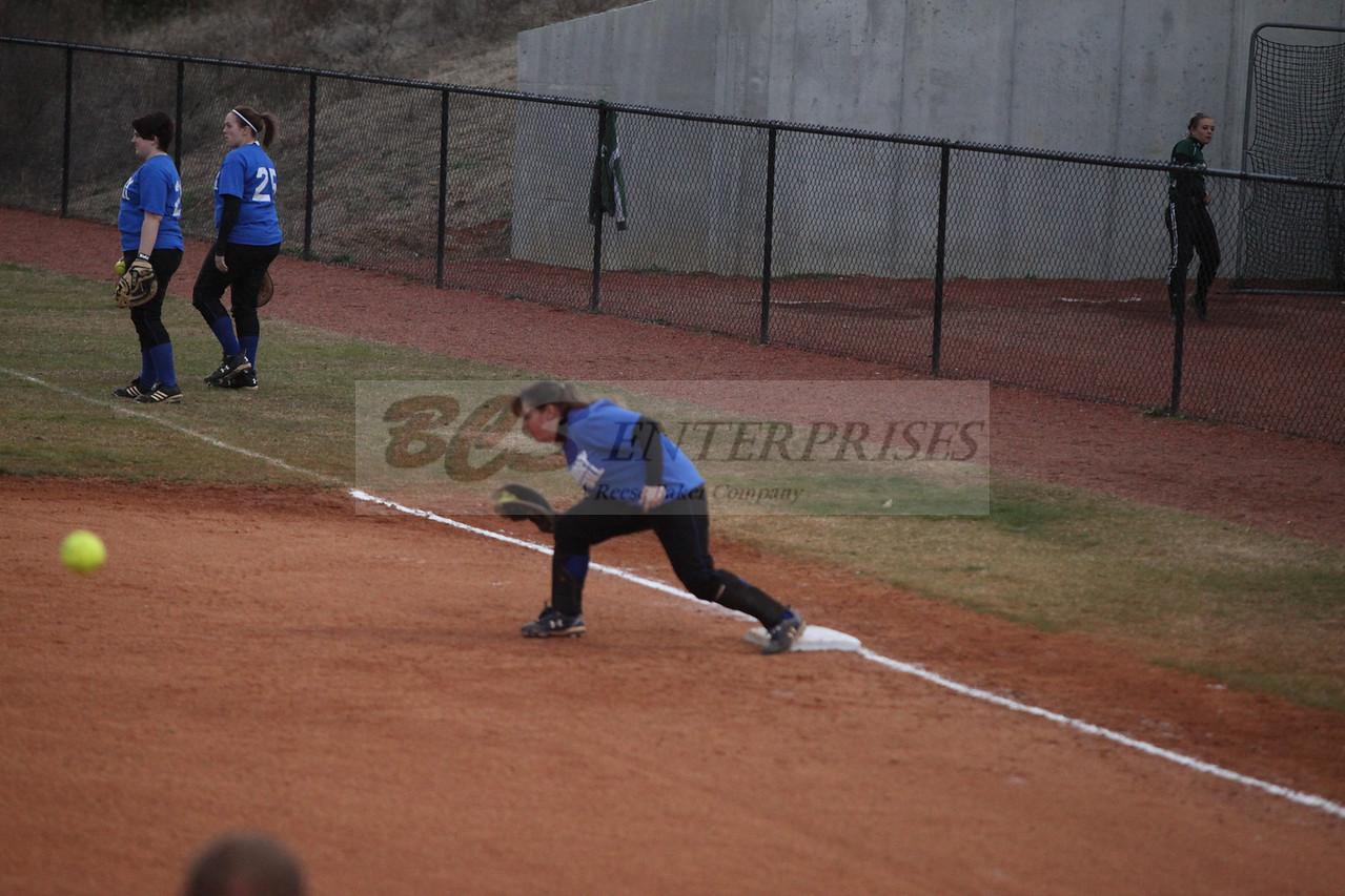 2011 LW softball_0027