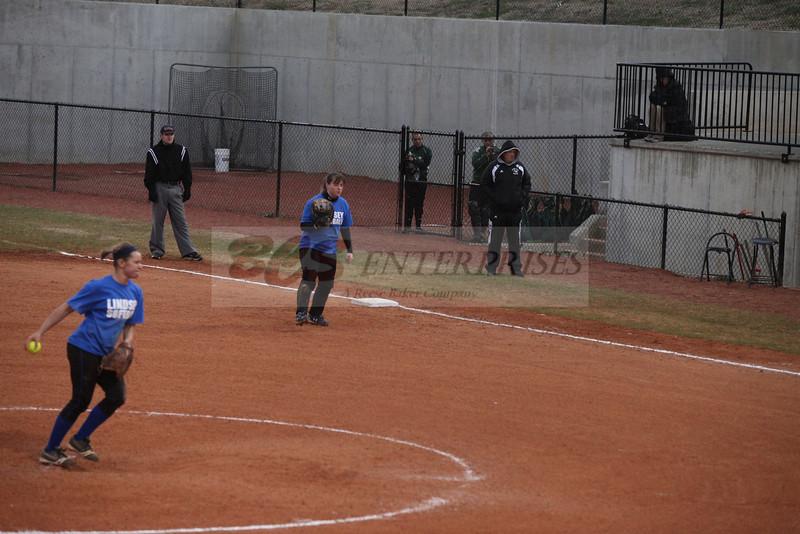 2011 LW softball_0043