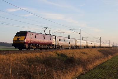 91101 on the 1S18 1300 London Kings Cross to Edinburgh at Frinkley Lane on the 11th December 2013