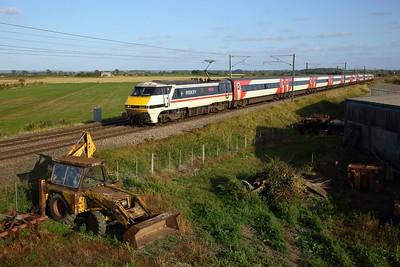 91119 working 1D20 London Kings Cross to Leeds at Claypole on 19 September 2020  Class91, ECML