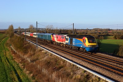 43066 leads 91128, 82115, 90035, 91122 and 43054 on 1Q18 1328 Corby to Elstow at Wymington on 19 December 2020  DATS, MMLSouth, DATSHST