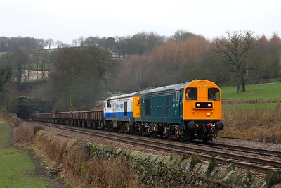 20205+20189 on the 6Z20 0945 Chaddesden to Peak Forest at Chevin north of Duffield on the 7th February 2015