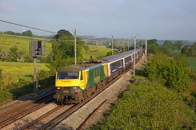 90043 on the 1M16 Inverness to London Euston at Blisworth on the 21st May 2019