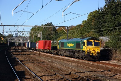 66516 on the 4L89 Coatbridge to Felixstowe at Manor Park on the 2nd October 2019