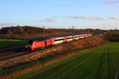43238 leading 43309 on NL55 powering 1F44 1455 St Pancras to Leeds at Ayres End Lane, Harpenden on 27 December 2020  EMRHST, MMLSouth