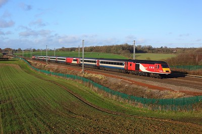43305 leading 43251 on NL11 working 1C43 1050 Leeds to London St Pancras at Ayres End Lane, Harpenden on 27 December 2020  MMLSouth, EMRHST
