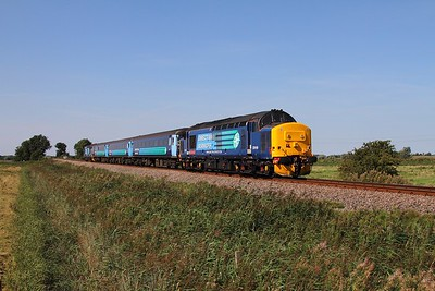 37419+37405 on the 2P20 1136 Norwich to Great Yarmouth at Stracey Arms on the 30th August 2016