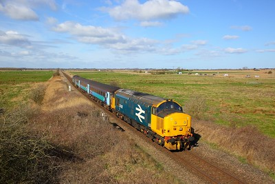 37407 tnt 37716 on the 2P18 1036 Norwich to Great Yarmouth at Stracey Arms on the 18th March 2019