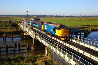 37409 tnt 37423 on the 2J67 0747 Lowestoft to Norwich at Reedham swing bridge on the 24th September 2018