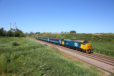 37407+37409 on the 2C60 1318 Norwich to Great Yarmouth at Cantley Sugar factory on the 30th June 2018