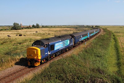 37405+37419 on the 2P21 1317 Great Yarmouth to Norwich at Stracey Arms on the 30th August 2016