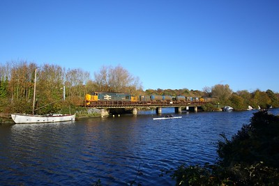 37407 tnt 37405 on the 3S01 Stowmarket circular via Cromer at Thorpe bridge on the 13th November 2018