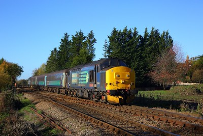 37419 tnt 37716 on the 2P18 1036 Norwich to Great Yarmouth at Whitlingham junction on the 13th November 2018