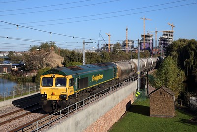 66620 on the 6M84 1306 Dagenham Down yard to Hope Earles Sidings at Walthanstow Wetlands, Bream pumping station on the GOBLIN on the 22nd October 2018
