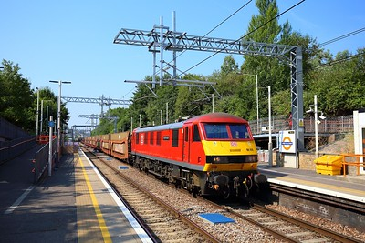 90019 on the 6L35 Mossend to Dagenham empty cartics at Upper Holloway on the 27th July 2018