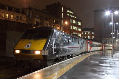 91110 on the 3N36 2038 Kings Cross to Kings Cross via Ferme Park and Bowes Park at Kings Cross on the 9th February 2017
