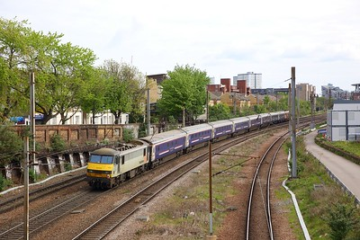 90044 tnt 92032 on the 5E43 London Kings Cross to Wembley at Caledonian Road going to Ferme Park to reverse on the 6th May 2019