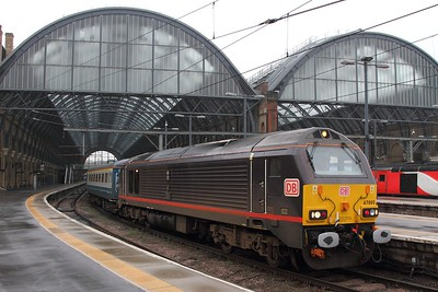 67005 tnt 67006 on the 1Z43 1247 Kings Cross to Sunderland at KX with Spurs fans going to Sunderland on the 31st January 2017