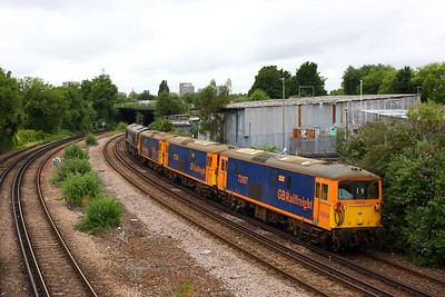 73107 leads 73136, 73212 and 66792 at Latchmere junction woking the 0O19 Peterborough to Tonbridge on 30 June 2020  SouthLondonline, Class73, GBRf