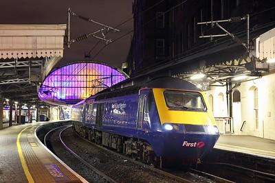 43122+43004 on the 1G60 1815 London Paddington to Cheltenham Spa at London Paddington on the 12th January 2019