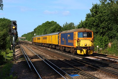 73213 leading 73212 working 5Z22 1013 Woking to Woking via London Waterloo at Raynes Park on 11 August 2021  Class73, GBRf, TestTrain, SWML, SWMLLondon