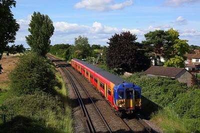 455867 works the 2H47 1653 Kingston to Shepperton shuttle between Upper Halliford and Shepperton on 14 June 2020  Class455, SWR, Sheppertonline