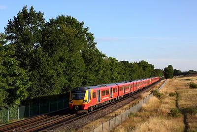 707013 leading 707025 on 5Y53 1928 Shepperton to Wimbledon Park Sidings near Upper Halliford on 22 July 2020  Class707, SWR, Sheppertonbranch