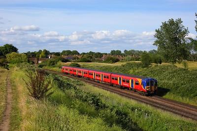 455867 works the 2H51 1753 Kingston to Shepperton shuttle between Upper Halliford and Shepperton on 14 June 2020  Class455, SWR, Sheppertonline
