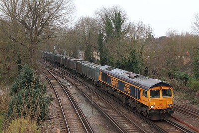 66722 on the 4Y19 Mountfield to Southampton at Staines on the 16th March 2017
