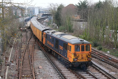 73964+73963 on the 1Q54 Eastleigh to Dollands Moor departing Staines loop as 707003+707005 await with the 5Q61 1410 Clapham Yard to Reading on 16th March 2017 3