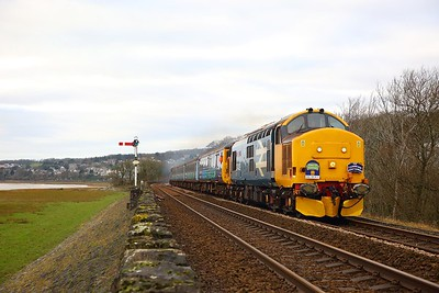 37409 tnt 37425 on the 2Z37 0952 Carlisle to Carnforth at Grange over Sands on the 11th January 2019