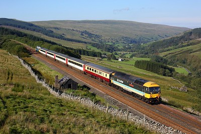 47712 leading 47593 on 1Z40 0835 Skipton to Appleby at Rise Hill on 1 September 2020  Class47, LSL, SandC