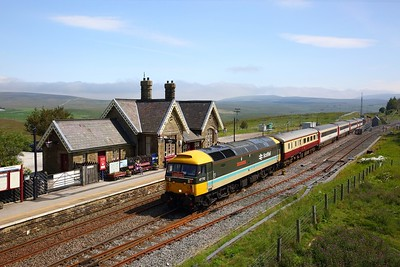 47712 leading 37521 on 1Z43 1218 Skipton to Appleby at Ribblehead station on 15 August 2020  Class47, LSL, SandC