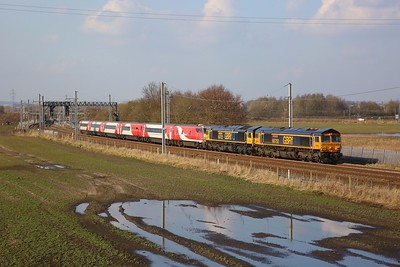 66750+66722+82203 and mk4s on 5Z18 Doncaster to Crewe CS at Winwick junction on the 6th March 2020