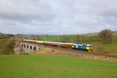 47593 tnt 47501 on the 1Z60 0500 Milton Keynes to Fort William at Docker viaduct on the 23rd March 2019