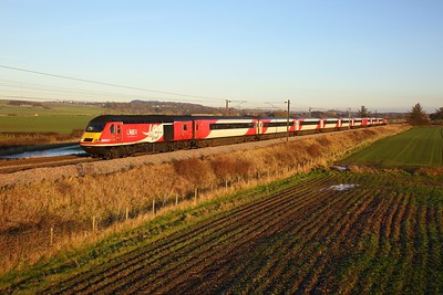 43318+43314 on the 1W11 1000 London Kings Cross to Aberdeen at Prora near Drem on the 30th November 2019
