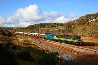 47810+47853 on the 1Z26 Inverness to Milton Keynes at Granthouse on the 29th October 2018