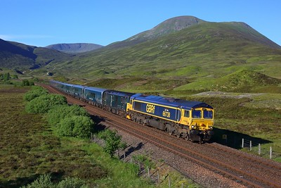 66738 leading 73967 on 1S25 London Euston to Inverness at Balsporran cottages on 29 June 2021  GBRf66, CaledonianSleeper, HML, LateSleeper