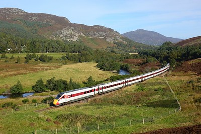 800101 working 1E21 0940 Inverness to London Kings Cross at Crubenmore on 27 September 2020  Class800, LNER, HML