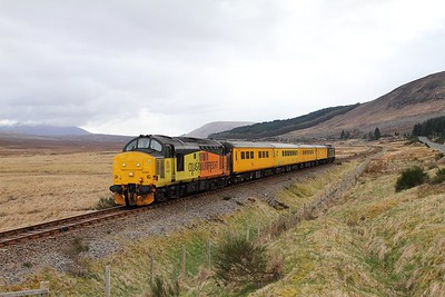 37421 tnt 37057 on the 1Q78 Inverness Millburn to Inverness Millburn via Kyle of Lochalsh departing Achnasheen on the 16th April 2017