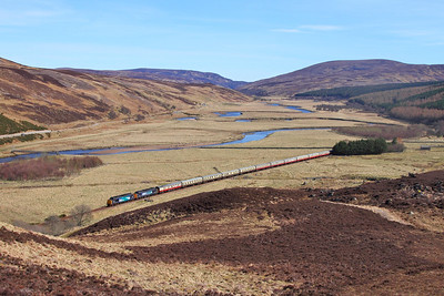 37218+37607 on the 1Z71 0800 Inverness to Wick at Kildonan on the 5th April 2015 improved