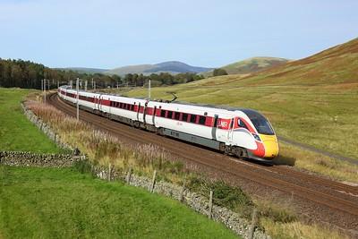 801110 leading 800201 on 1E23 1445 Edinburgh to London Kings Cross at Castle Hill on 27 September 2020  Class800, LNER, WCMLScotland