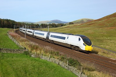390129 working 9M47 1451 Edinburgh to London Euston at Castle Hill, Abington on 27 September 2020  Class390, Avanti, WCMLScotland