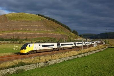 390042 working 1M17 1637 Glasgow Central to London Euston at Elvanfoot on 25 September 2020